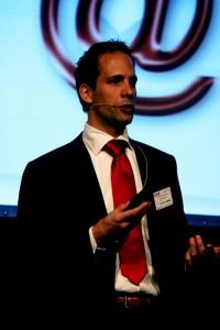Walter van der Scheer presenting